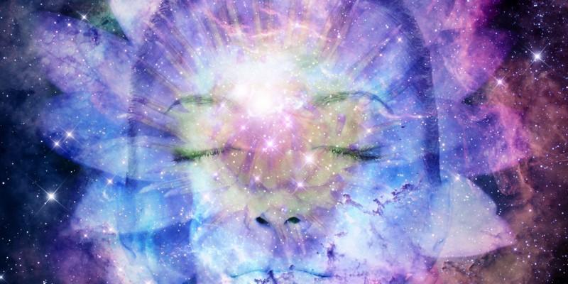 lotus_space_woman-800x400