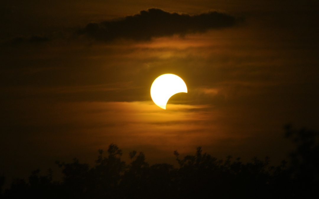 New Moon & Solar Eclipse This Weekend